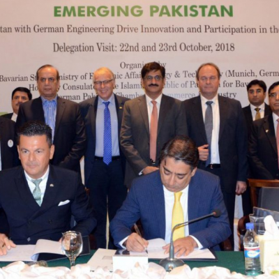 Bavarian Business Delegation to Pakistan, October 2018: Signing of Memorandum of Understanding: Honorary Consul Dr. Poetis and Adnan Hussain of ICS Group