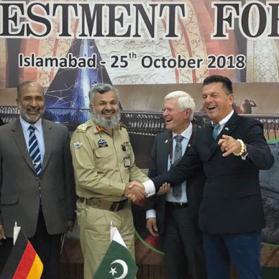 Bavarian Business Delegation to Pakistan, October 2018: Brigadier Abrar Mehboob, Director Marketing, National Logistics Cell shaking hands with Honorary Consul Dr. Poetis