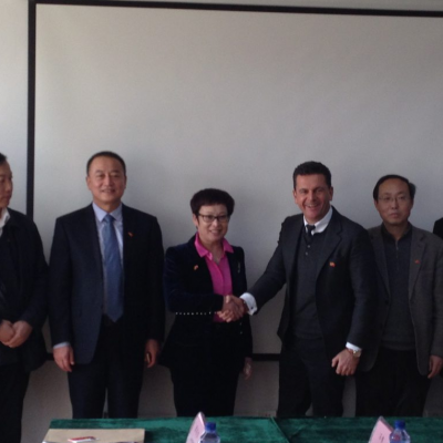 Business Journey to China, March 2015: Consul Dr. Poetis meeting with Mrs. Peng Jingjie, County Magistrate Gaoyi, Hebei Province
